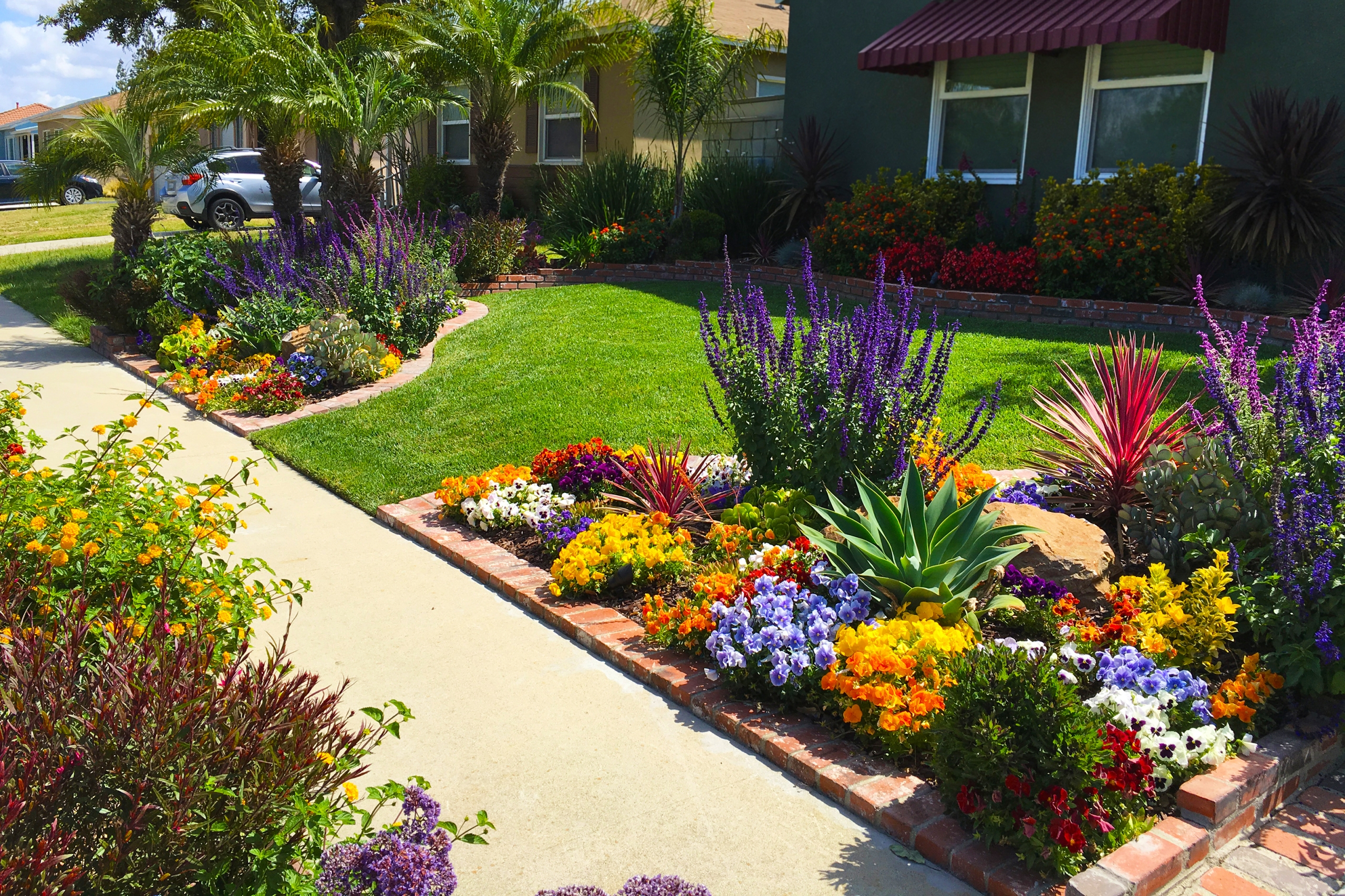 Front Yard Landscaping Ideas for Curb Appeal | HouseLogic on Low Maintenance:cyizg0Gje0G= Backyard Design  id=27068