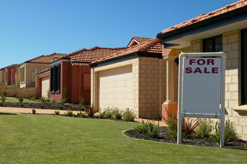 Home for sale in neighborhood