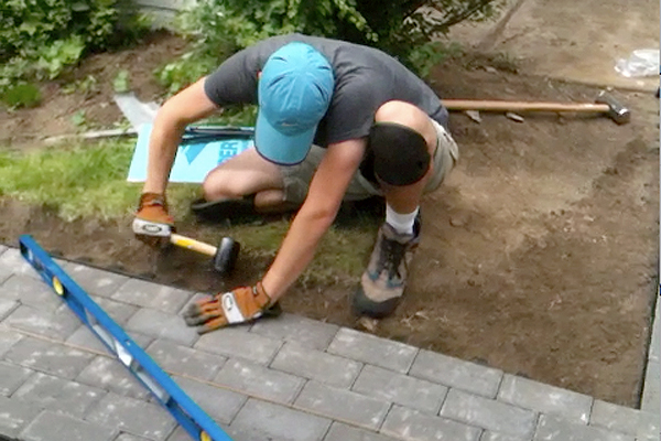 Laying Pavers Plus How To Cut Into A Curve