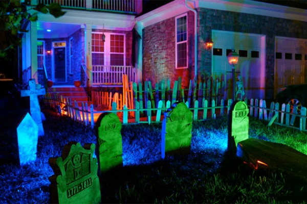 Graveyard, CFL Floodlights   Outdoor Halloween Decorations