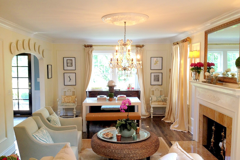 Ceiling Medallion in Living Room   Cheap Remodeling Ideas