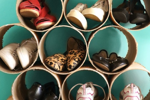 DIY shoe organizer made of cardboard concrete forms