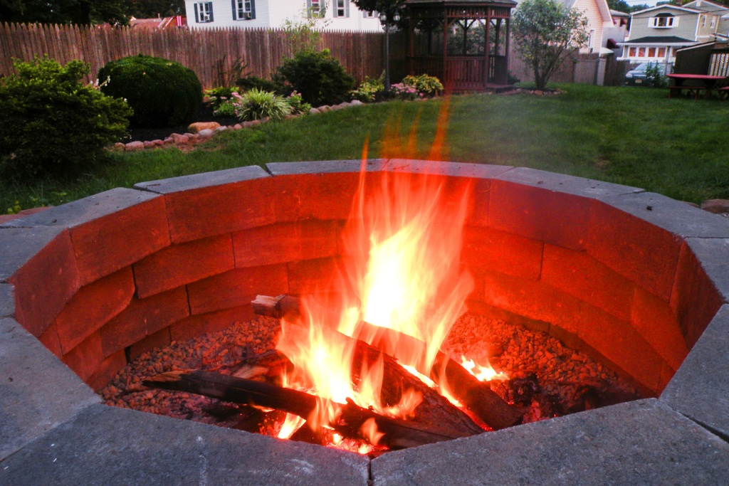 Fire pit in a back yard