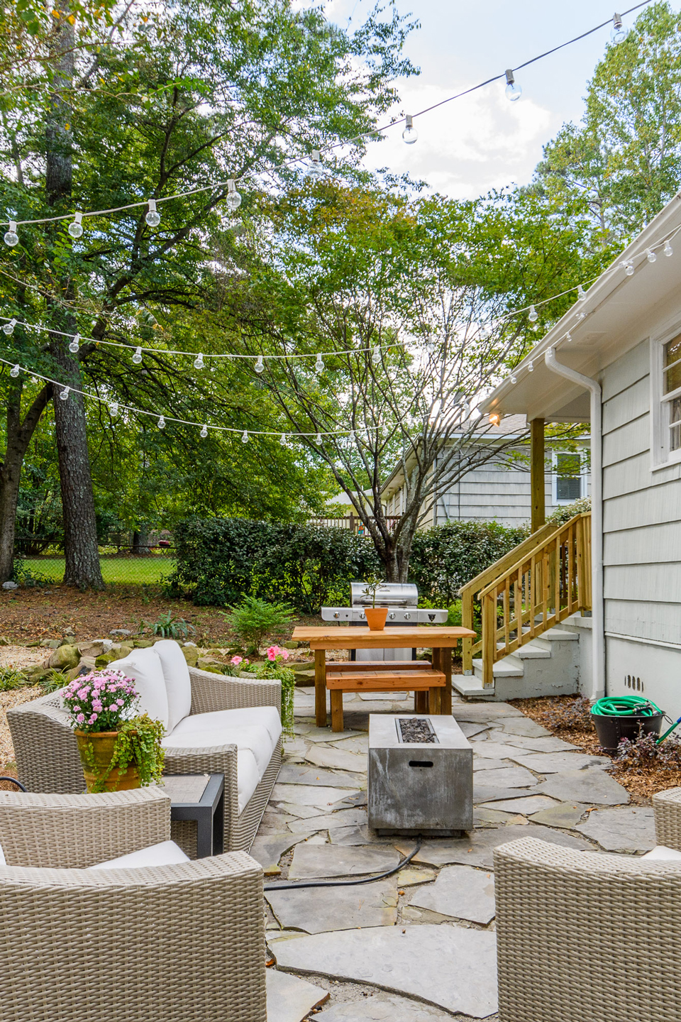 Backyard Before and After Makeover Ideas | Small Backyard ...